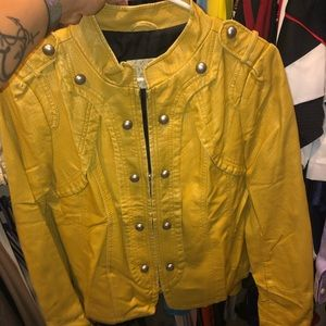 Women's yellow daytrip leather jacket. Size small.